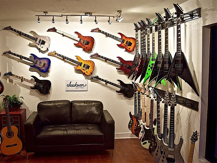 Jackson : Left Handed Guitars 2017